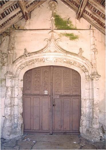 portail-de-leglise-saint-hilaire-saint-illiers-la-ville